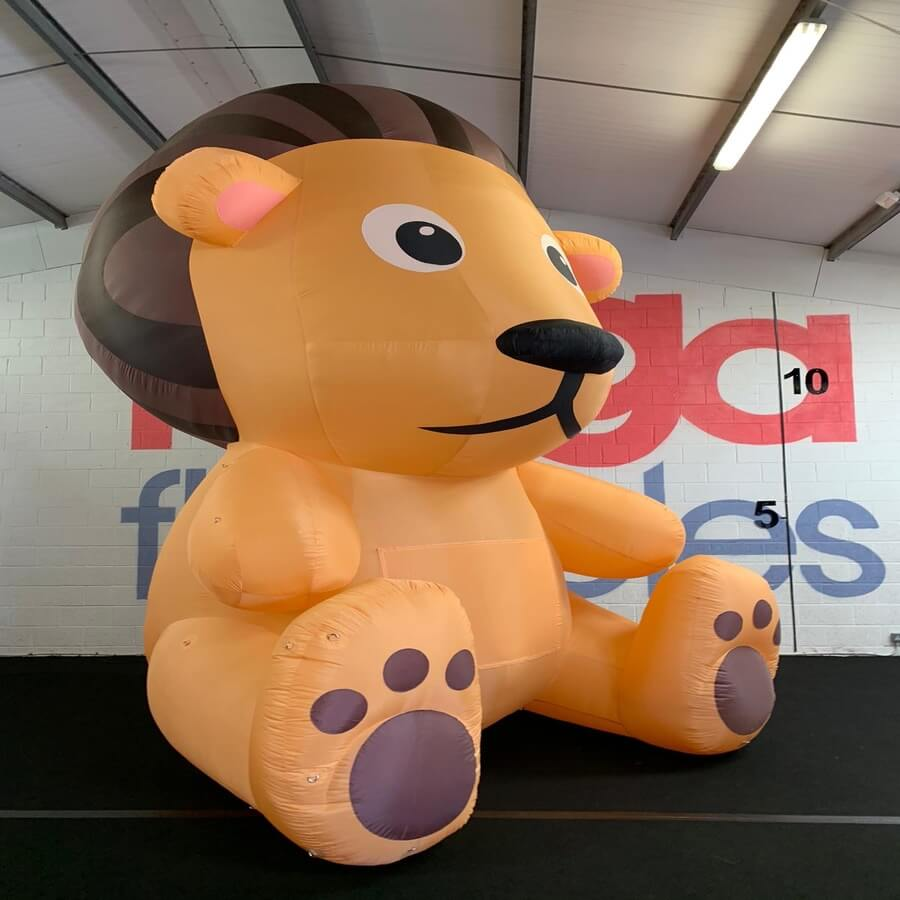 How To Use Inflatable Animals In Retail?
