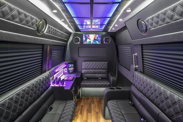 How to Hire a Perfect Party Bus For Any Event